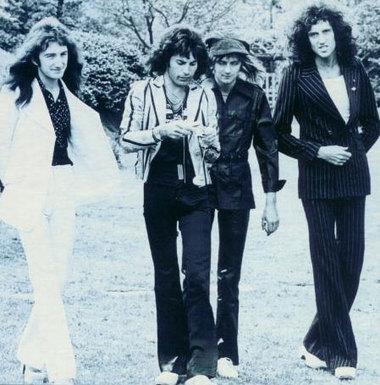 Queen1975japan