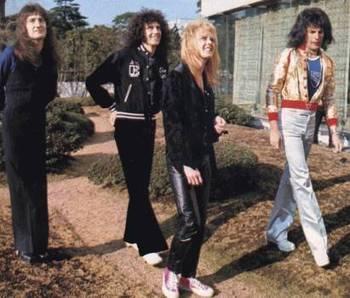 Queen1976japan