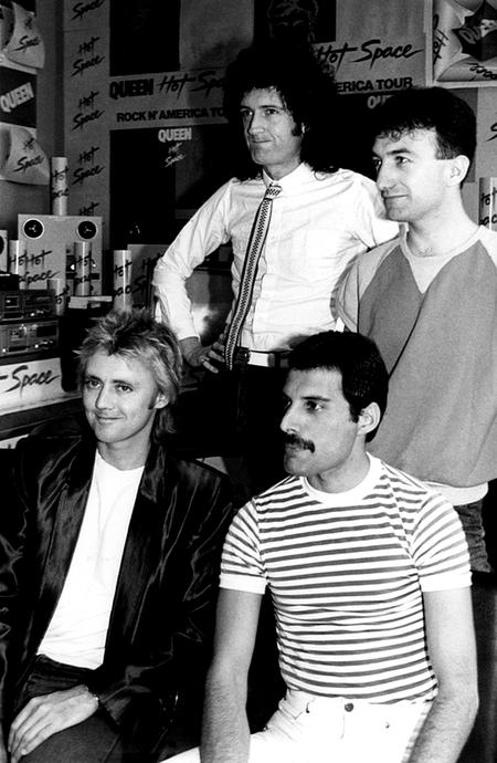 Queenhotspacepromo1982