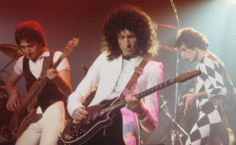 Queenperforming1978