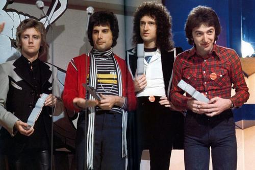 Queen1977brit_awards