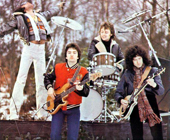 Queenin1977