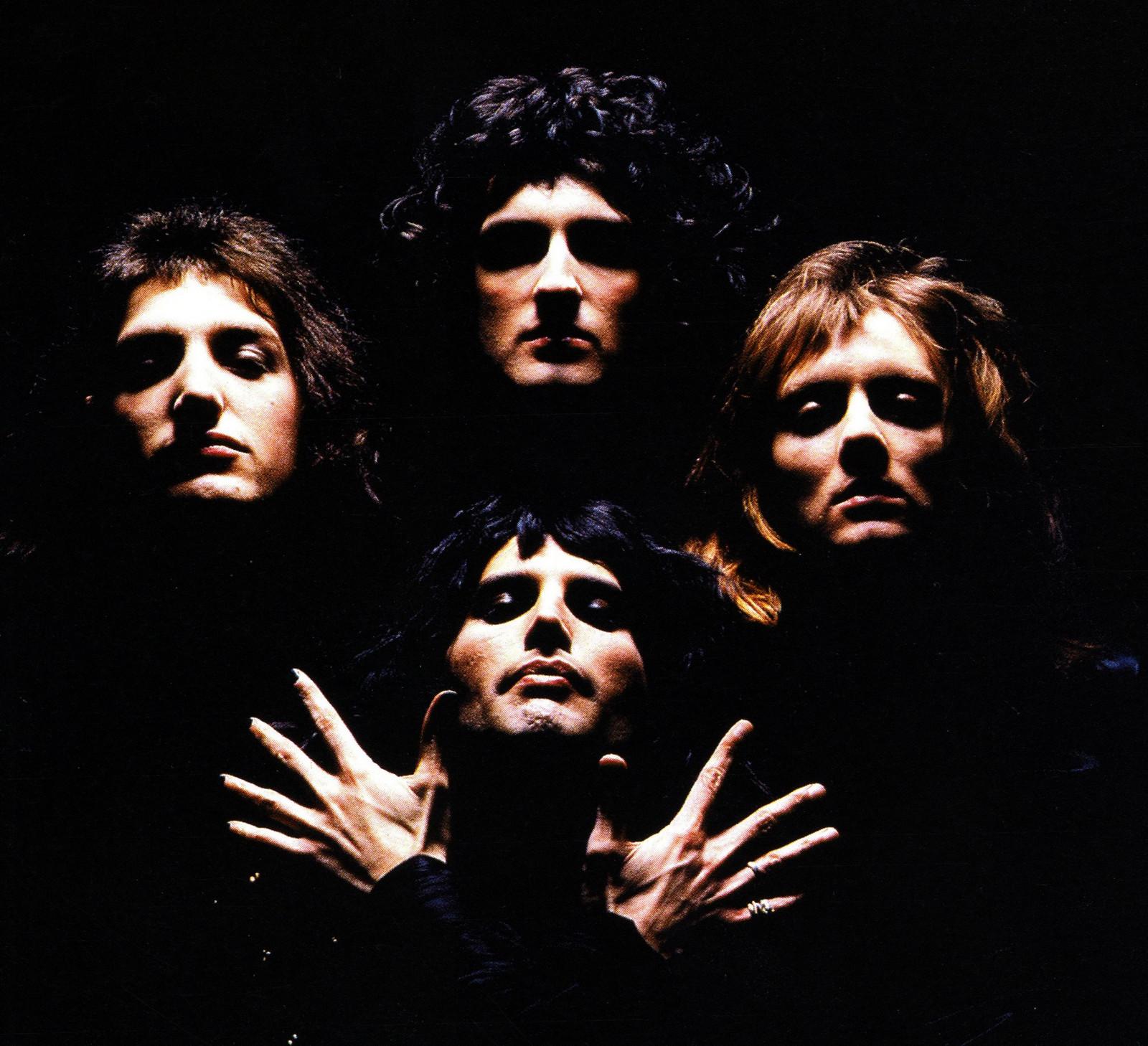 Queeniiphotosessioninlate1973
